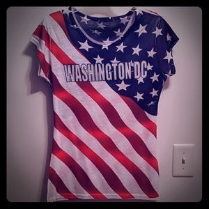 💙3/$15💙 DC T Shirt